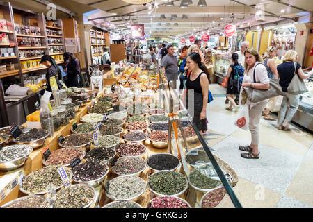 Manhattan New York City NYC NY Midtown Grand Central Terminal Station Market food arcade business shopping vendor - Stock Photo