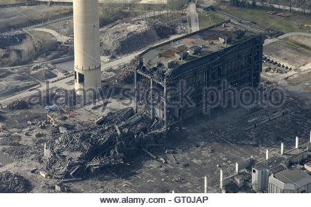 File photo dated 24/2/2016 of an aerial view of Didcot Power Station, Oxfordshire. The families of two men missing - Stock Photo