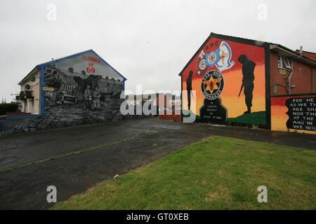Unionist political murals on Shankill Road, Belfast, Northern Ireland, UK. - Stock Photo