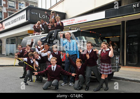 London, UK. 8th Sep, 2016. Andrew LLoyd Webber with cast of School of Rock The Musical with the bus outside the - Stock Photo