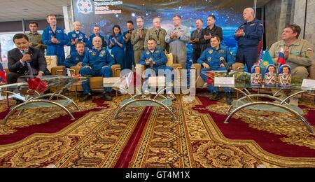 International Space Station Expedition 48 crew members NASA astronaut Jeff Williams, left, Russian cosmonauts Alexey - Stock Photo