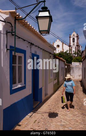 Quiet backstreet and cathedral, Silves Algarve, Portugal - Stock Photo