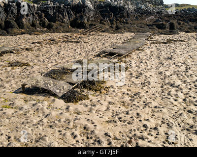 Oyster farm beds, The Strand, Isle of Colonsay, Scotland, UK. - Stock Photo