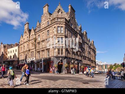 Pub in the Royal Mile, No. 1 High Street, on the corner of High Street and Jeffrey Street, Edinburgh, Scotland, - Stock Photo