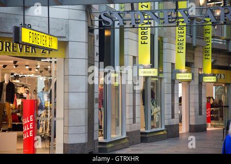 Clothing stores in manhattan new york
