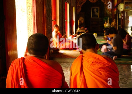 buddhist single men in novice Monk (mŭngk) n a man who is a member of a brotherhood living in a monastery and devoted to a discipline prescribed by his order: a carthusian monk a buddhist monk.