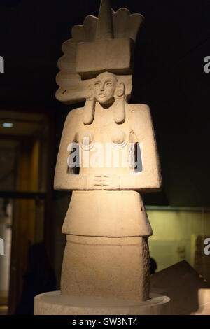 Sandstone figure of the Huaxtec goddess Tlazolteotl, Room 27 British Museum, London, UK. - Stock Photo