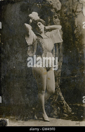 Antique 1891 cabinet card photograph of Jennie Joyce, produced as a promotional item for the Newsboy tobacco company. - Stock Photo