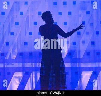 Washington, USA. 10th Sep, 2016. September 10, 2016, Washington DC, USA: Grammy Award winner, Estelle, performs - Stock Photo