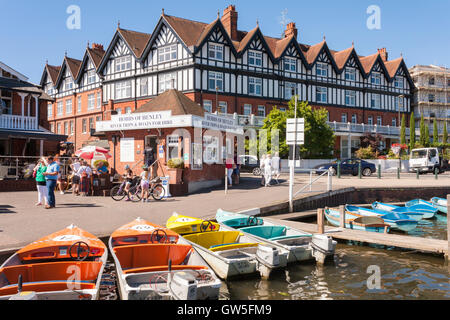 Riverside boats for hire at Henley-on-Thames, Oxfordshire, England, GB, UK. - Stock Photo