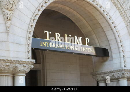 Washington DC, USA. 12th Sep, 2016. The entrance to the new Trump International Hotel, of businessman and Republican - Stock Photo