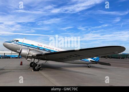DDA Classic Flights Douglas DC-3 prepares for a pleasure flight at Amsterdam Schipol airport. - Stock Photo
