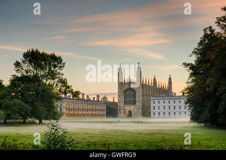 King's College, Cambridge, UK, 13th September 2016. Mist hangs in the air and across the manicured lawns of King's College Cambridge UK at dawn on one of the hottest September days in the UK on record. Temperatures across the south east of England are forecast to reach over 30 degrees centigrade in an early autumn heatwave. Credit: Julian Eales/Alamy Live News