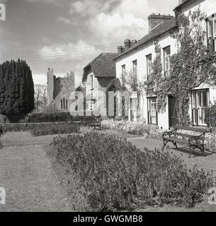 1950s, historical, exterior view of The Dunraven Arms, a luxury country hotel in the historic village of Adare, - Stock Photo
