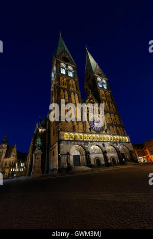 Bremen - Market Square with Bremen Cathedral at night - Stock Photo