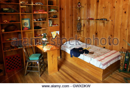 View of U S  President George W  Bush s bedroom in his restored childhood  home in Midland. Texas Midland George W Bush Childhood Home Presidential Site Stock