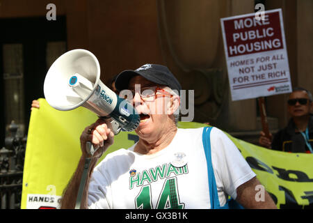 Sydney, Australia. 14 September 2016. Action for Public Housing organised a rally in support of public housing and - Stock Photo