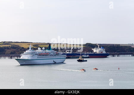 Pembrokeshire, UK. 15th Sep., 2016. MS Albatros docks at Milford Haven, Pembrokeshire 15th Sep 2016. The last cruise - Stock Photo