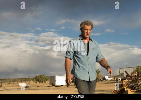 RELEASE DATE: August 26, 2016 TITLE: Blood Father STUDIO: Lionsgate DIRECTOR: Jean-Fran?ois Richet PLOT: An ex-con - Stock Photo