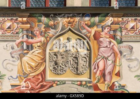 Wappen und Wandmalerei am alten Rathaus in Lindau am Bodensee,  Bayern, Deutschland  | Coat of arms and painting - Stock Photo