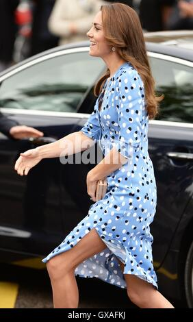 The Duchess of Cambridge arriving at Stewards Academy in Harlow, Essex, where she and her husband, the Duke of Cambridge - Stock Photo