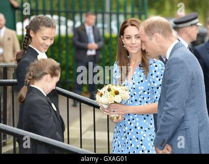 The Duke and Duchess of Cambridge arriving at Stewards Academy in Harlow, Essex, where the couple, who are promoting - Stock Photo