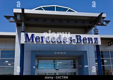 Indianapolis - Circa May 2016: Mercedes-Benz Dealership II - Stock Photo
