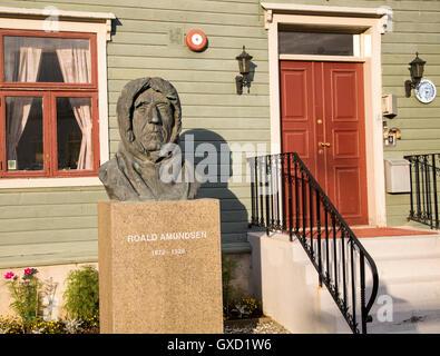 Roald Amundsen, 1872-1928, bust statue sculpture of famous explorer at the Polar Museum, Tromso, Norway - Stock Photo