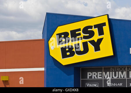 the exterior of best buy a chain electronics store in oklahoma city stock photo 71488750 alamy. Black Bedroom Furniture Sets. Home Design Ideas