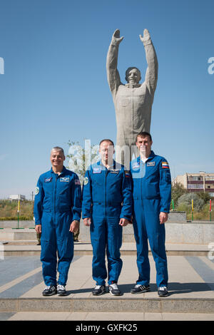 International Space Station Expedition 49 backup crew members (L-R) NASA astronaut Mark Vande Hei and Roscosmos - Stock Photo