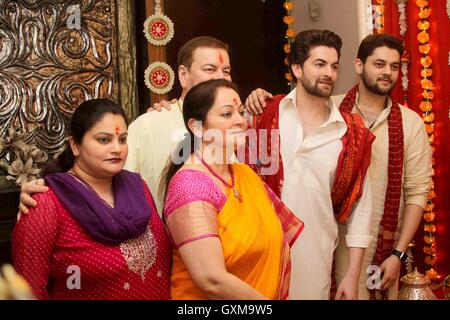 Bollywood actor Neil Nitin Mukesh Nitin Mukesh Nishi Mukesh Neha Mukesh Naman Nitin Mukesh Ganesh Chaturthi celebrations - Stock Photo