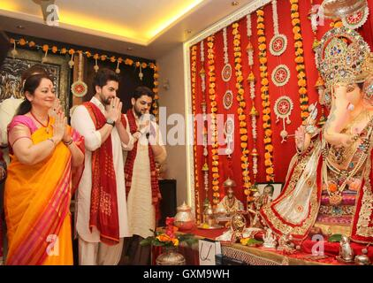 Bollywood actor Neil Nitin Mukesh Nishi Mukesh Naman Nitin Mukesh Ganesh Chaturthi celebrations Mumbai - Stock Photo