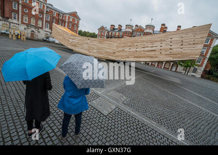 London, UK. 16th September, 2016. The Smile, a landmark project for the London Design Festival designed by architect - Stock Photo