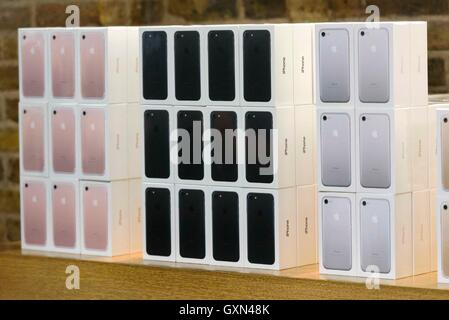 London, Britain. 16th Sep, 2016. Boxes of Apple iPhone 7 mobile phones are seen at the Apple store in Covent Garden - Stock Photo