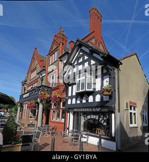 Mulberry Tree Pub,Stockton Heath,South Warrington,Cheshire,England,UK - Stock Photo