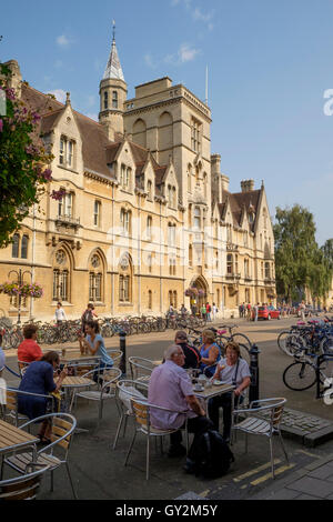 Around the University city of Oxford england Balliol College Broad Street - Stock Photo