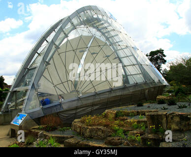 Davies Alpine House opened 1986, Kew Gardens, Royal Botanic Gardens, London, England, UK - Stock Photo