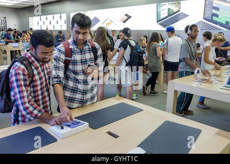 Manhattan New York City NYC NY Midtown Fifth Avenue Apple store retail business shopping flagship store consumer - Stock Photo