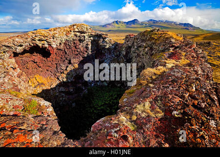 Krater im Lavafeld Neshraun, Island, Snaefellsnes, snae | Neshraun lava field with crater, Iceland, Snaefellsnes, - Stock Photo