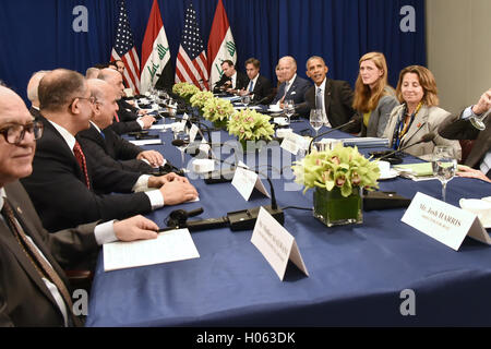 New York, USA. 19th Sep, 2016. United States President Barack Obama (fourth from righ) seated between U.S. Vice - Stock Photo