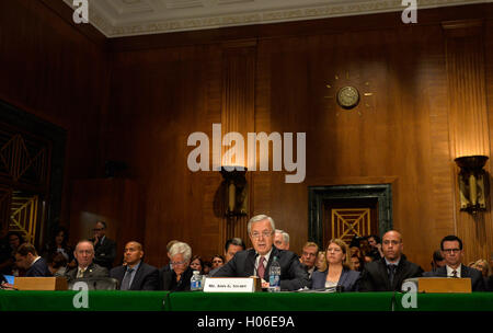 Washington, DC, USA. 20th Sep, 2016. Wells Fargo's chairman and chief executive officer (CEO) John Stumpf testifies - Stock Photo