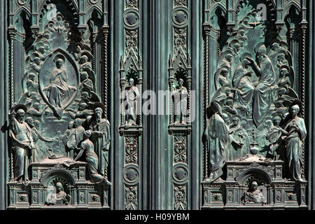 Detail, ornate entrance portal, Cathedral of Santa Maria del Fiore, Florence, Tuscany, Italy - Stock Photo