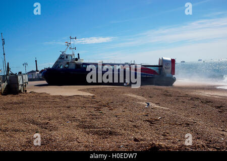 HOVERCRAFT, GH114, FREEDOM 90 TAXI TURNS - Stock Photo