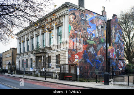 Cable Street mural depicting the battle between Mosely's Black Shirts and the local residents on October 4th 1936 - Stock Photo