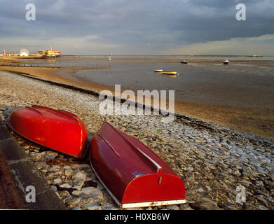 Southend on Sea pier and beach, taken in 1994 before fires of 1995 and 2005, Essex, England, UK - Stock Photo