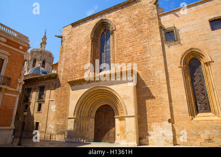 Valencia Cathedral romanesque door Puerta Palau Almoina - Stock Photo