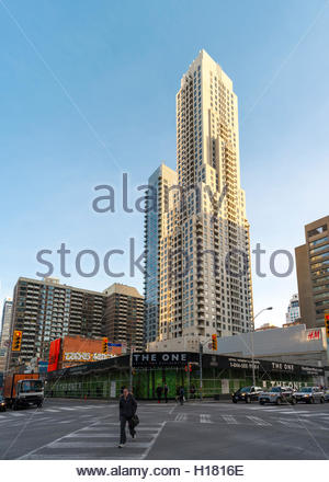 Corner of Bloor and Yonge Street. Empty space and surrounding constructions where the One Bloor West building will - Stock Photo