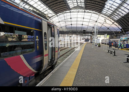 Platforms at Glasgow Queen St Railway Station - Stock Photo