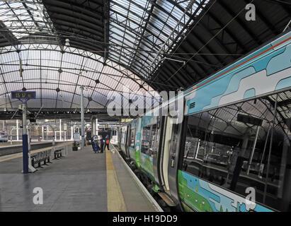 Platforms at Glasgow Queen St Railway Station - Stock Photo