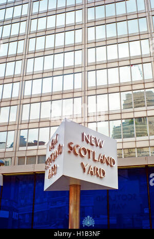The sign outside the current New Scotland Yard building, in Victoria, London, England, UK, Metropolitan Police headquaters - Stock Photo
